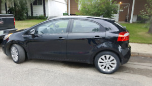 STILL ON WARRANTY 2013 Loaded Kia Rio $9,000 OBO
