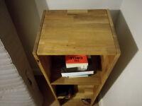 Solid oak wood bookcase/shelving unit