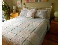 Gorgeous King Size Patchwork Quilted Bedspread (100% Cotton) + 4 Pillow Shams
