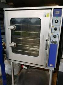 Electric combi oven with steam