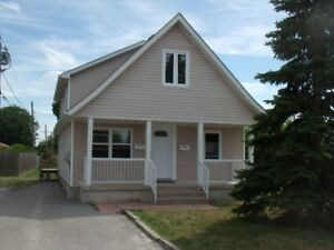 THOROLD 3 BED STUDENT HOME DIRECT BUS TO BROCK ACROSS THE STREET