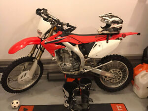 Honda CRF450 Dirtbike for Sale (In Perfect Shape)