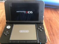Nintendo 3DS XL including case and 10 assorted games