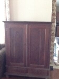 Armoire excellent shape solid wood