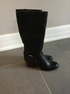 Womans tall black boots