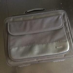 Solo Black Laptop Case