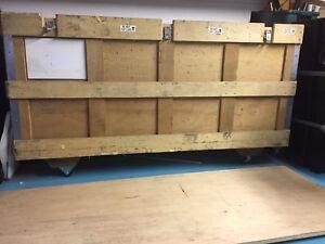 Boîte de transport robuste en bois