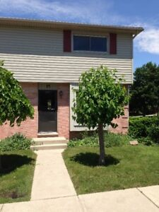 AVAILABLE IMMEDIATELY.... 7 minute walk to Fanshawe....