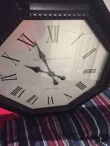 "Big clock (battery operated) 30""x30"""