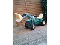 John Deere ride on tractor with loader and pneumatic tyres
