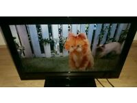 28 inch led TV with built in free view