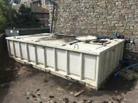 Large Plastic Water Tank. Excellent Condition.