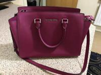 Michael Kors Bag- Excellent Condition- Unwanted gift