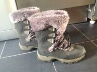 Ladies size 4 boots