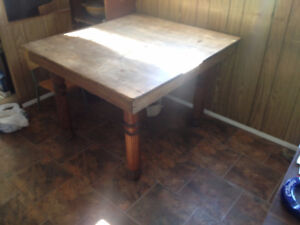 old solid hugely extendable wood table ornate legs 100 OBO