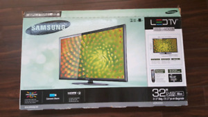 "Samsung LED TV 32"". In excellent condition."