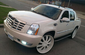 SHOW STOPPER!!!2007 Cadillac Escalade EXT Pickup Truck
