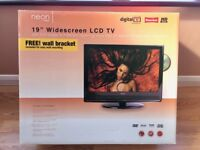 """19"""" WIDE SCREEN LCD FREEVIEW TV/DVD Combo"""