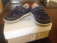 Clarks infant boys shoe size 6 1/2 E