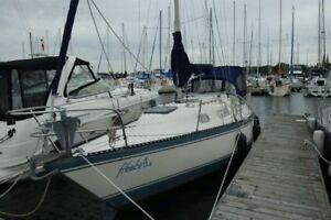 Amazing Hughes 31 Sailboat for Sale!!!