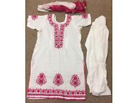 B/N self print 3 pcs white shalwar Qameez and Duppata,