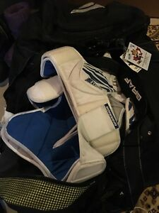 Hockey equipment with good bag