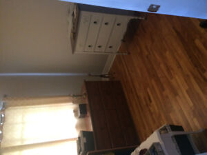 Bedroom for rent in 3 room apartment