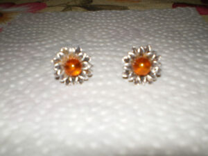 Sterling silver flower earrings with Amber