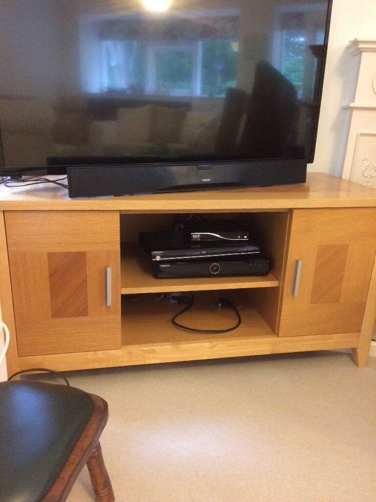 Stylish Oak TV Television Unit / Stand