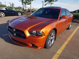 2011 Dodge Charger R/T Super Track Pak -Fully loaded Low Mileage