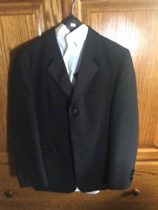 "ONCE USED ""NOIR FORMAL WEAR"" BOYS SIZE 10-12 BLACK SUIT"