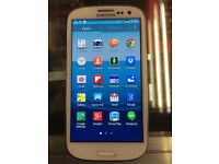 Samsung galaxy S3 i9300 unlocked White clour