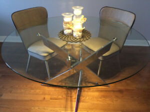 Round glass and chrome dining table 55""