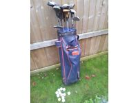 WOODEN GOLF CLUBE BAG AND BALLS