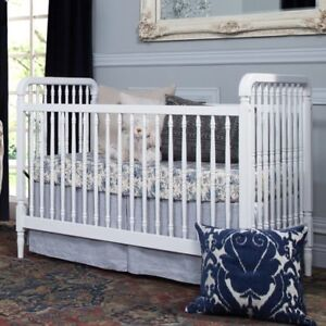 Million Dollar Baby Classic Liberty 3-in-1 Convertible Crib