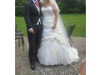 Beautiful wedding dress size 12/14
