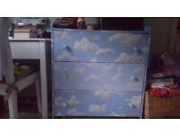 Children chest of drawer