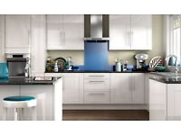 Complete white gloss shaker kitchen £895. Includes 12 x units and appliances.