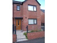 A Lovely 3 Bedroom Semi-Detached House Available**part furnished**