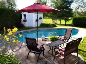 Maison à Bromont à Vendre avec piscine creusée chauffée et SPA