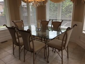 Table en metal et vitre 6 chaises - Glass table with 6 chairs