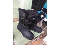 Trespass Waterproof Boots