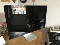 Apple Thunderbolt Screen - Excellent Condition, fully working order in original box