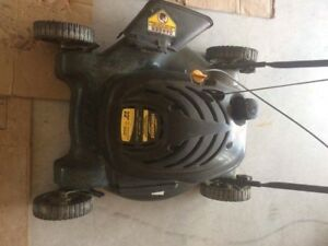 "Yardworks push lawnmower 22"" 139cc"
