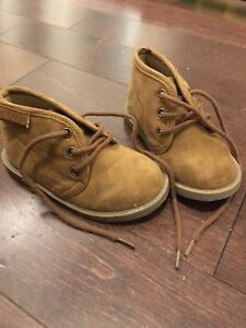 Size 5 Old Navy Boots
