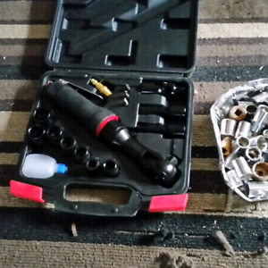 3/8 air ratchet set with misc sockets about 30plus