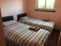 Modern Glasgow apartment perfect for city centre and south side. Close to all transport