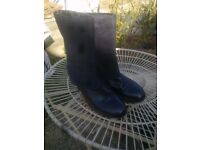 Clarks leather and suede boots ladies size 8 - used a few times but still very good condition