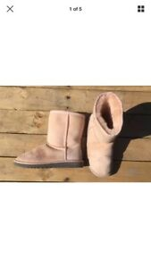 UGGS Light pink size 3 youth authentic