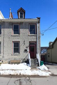 $1200 + utilities:  Spacious 1 Bedroom Apartment